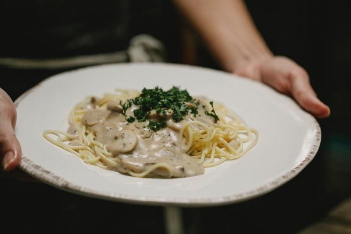 how to make white pasta sauce