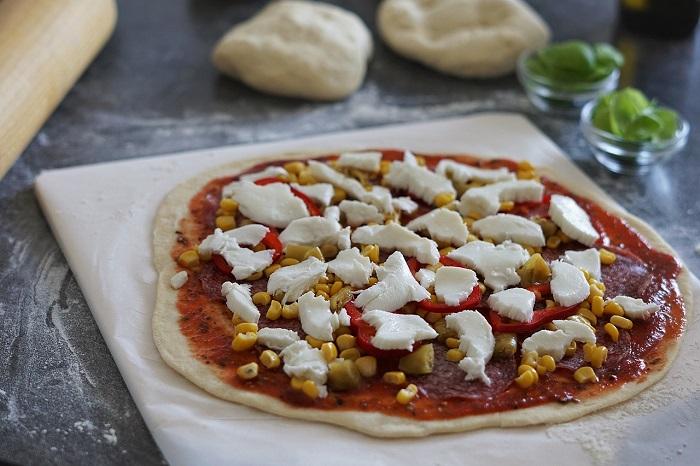 How To Prepare A Pizza Stone